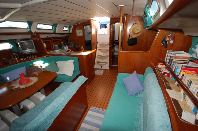 sailing yacht charter layout